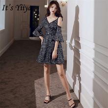 Женское вечернее платье it's yiiya черное блестящее с v