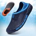 Neue Sommer Aqua Schuhe herren Outdoor Aushöhlen Strand Wasser Wohnungen Slip On Atmungsaktive Leichte Sandalen Zapatos Hombre