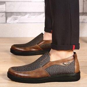 Image 2 - 2020 autunno Mens Casual Scarpe Comode Traspirante Slip on scarpe di Tela Piatta Mocassini Scarpe Uomo di Guida Morbido Scarpe Formato di Grandi Dimensioni 50