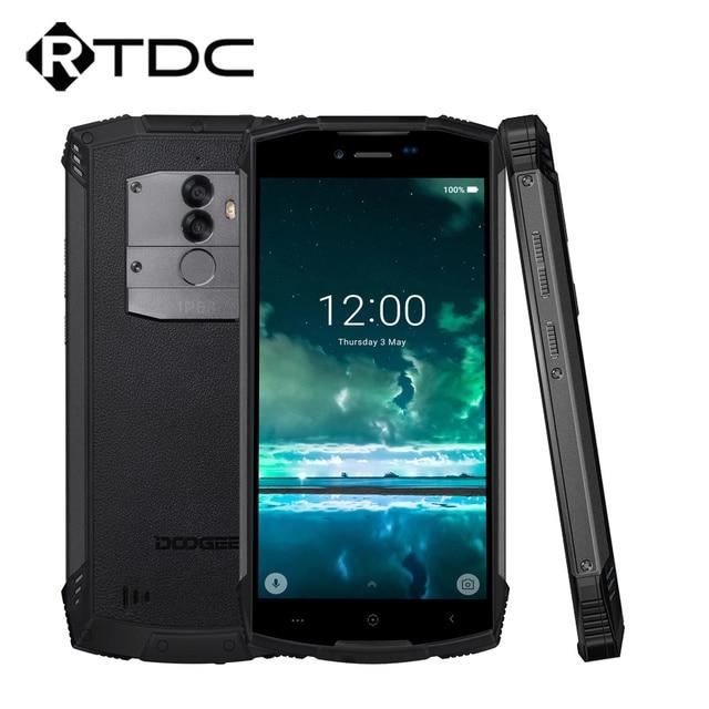 Doogee S55 アンドロイド 8.0 5.5 携帯電話 4 ギガバイトの ram 64 ギガバイト rom 5500 mah MTK6750T オクタコア防水指紋デュアル 13 + 8 mp ota