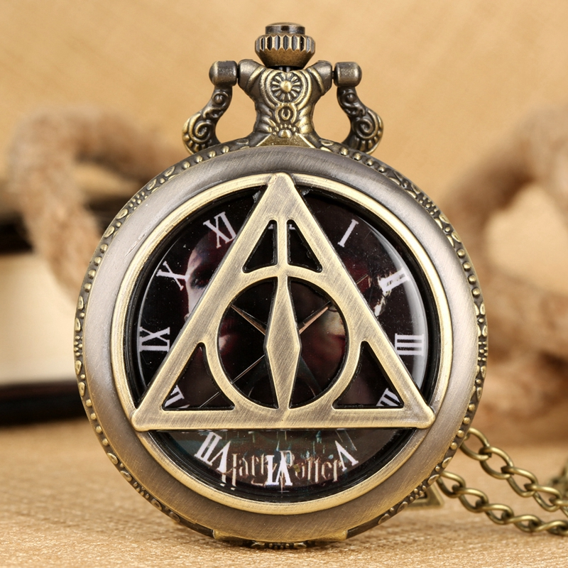 Retro Bronze Hollow Triangle Design Quartz Fob Pocket Watch Necklace Pendant Chain Sweater Watches Christmas Gift Creative Reloj