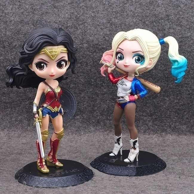 Wonder Woman และ Harley Quinn รูป Batman Wars มือ Wonder Woman Heavy Armor Batman พร้อมฐานแสงชุดเครื่องประดับ