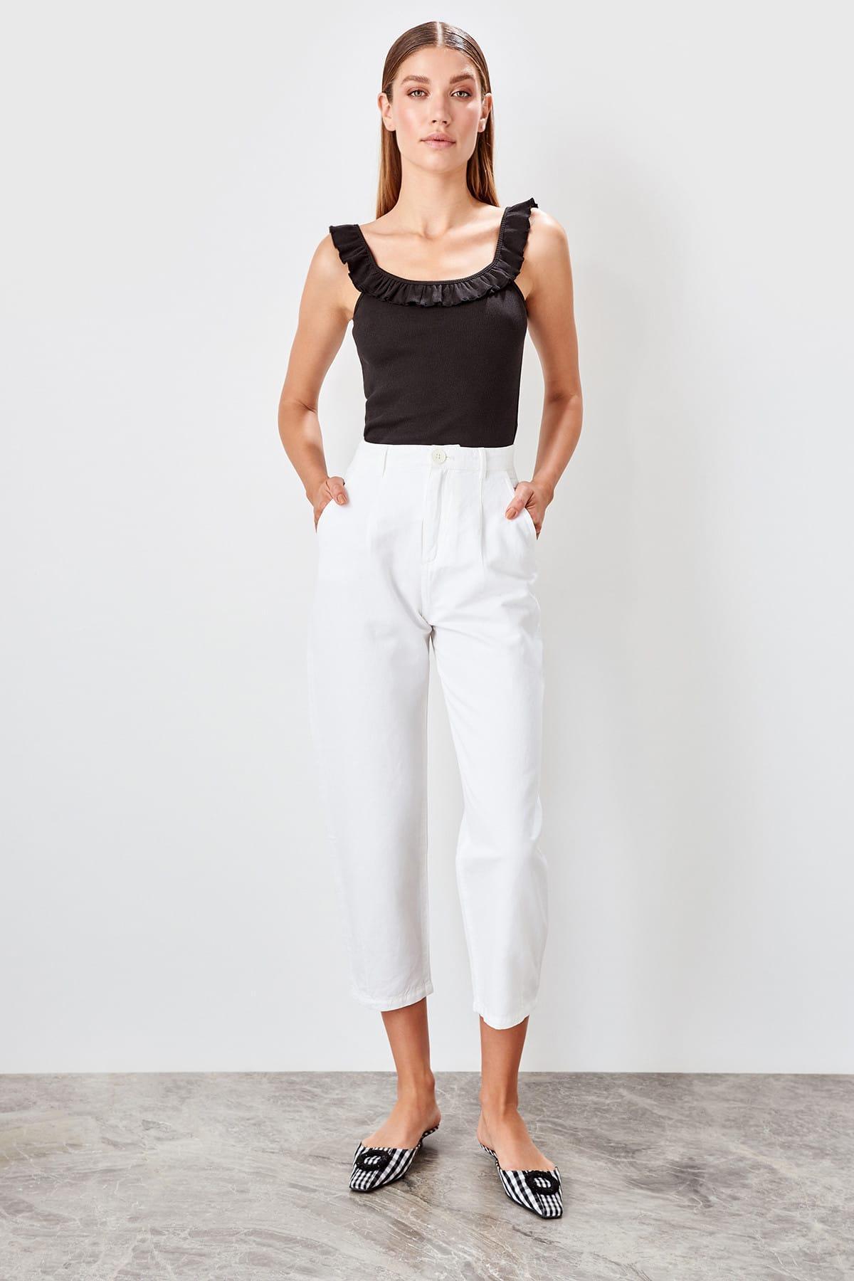 Trendyol White Pleat Detail High Bel Carrot Jeans TWOAW20JE0079