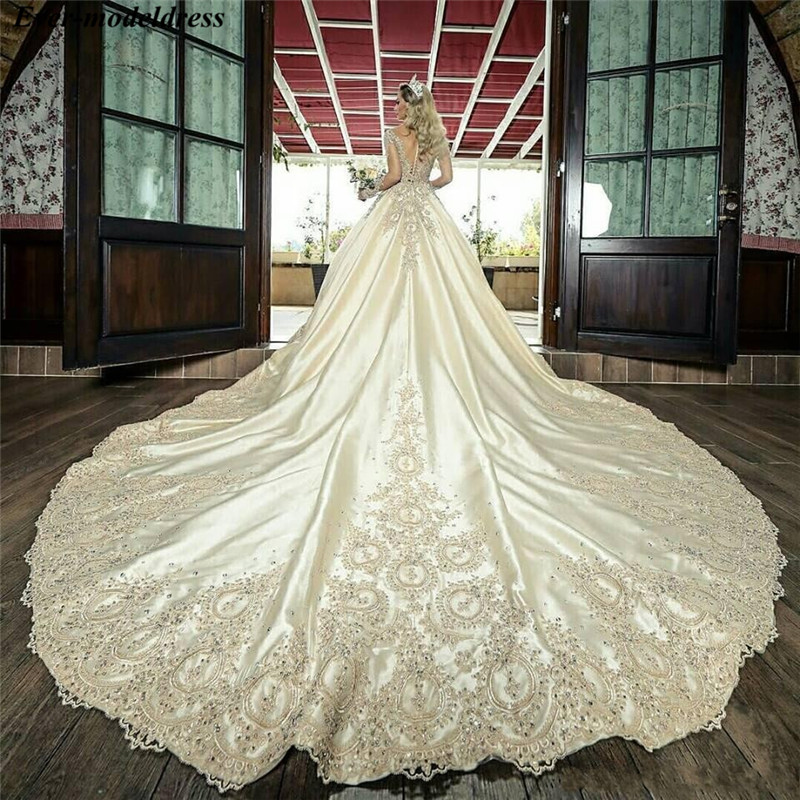 Luxury Princess Wedding Dresses Ball Gown Lace Appliques Beaded Long Sleeves Bridal Gowns Bride Dress Vestidos De Noiva