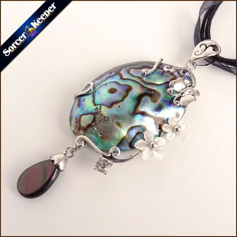 Bib Necklace Ln595 Lavilier by Lynn New Zealand PAUA ABALONE Shell with a Natural Rough Quartz crystal Steampunk Genuine Natural shell