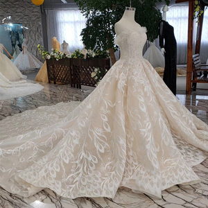 Image 3 - BGW HT5620 Suknie Slubne Luxury Sexy Strapless Wedding Dresses Lace Champagne Appliques Ball Gown Wedding Gown With Wedding Veil