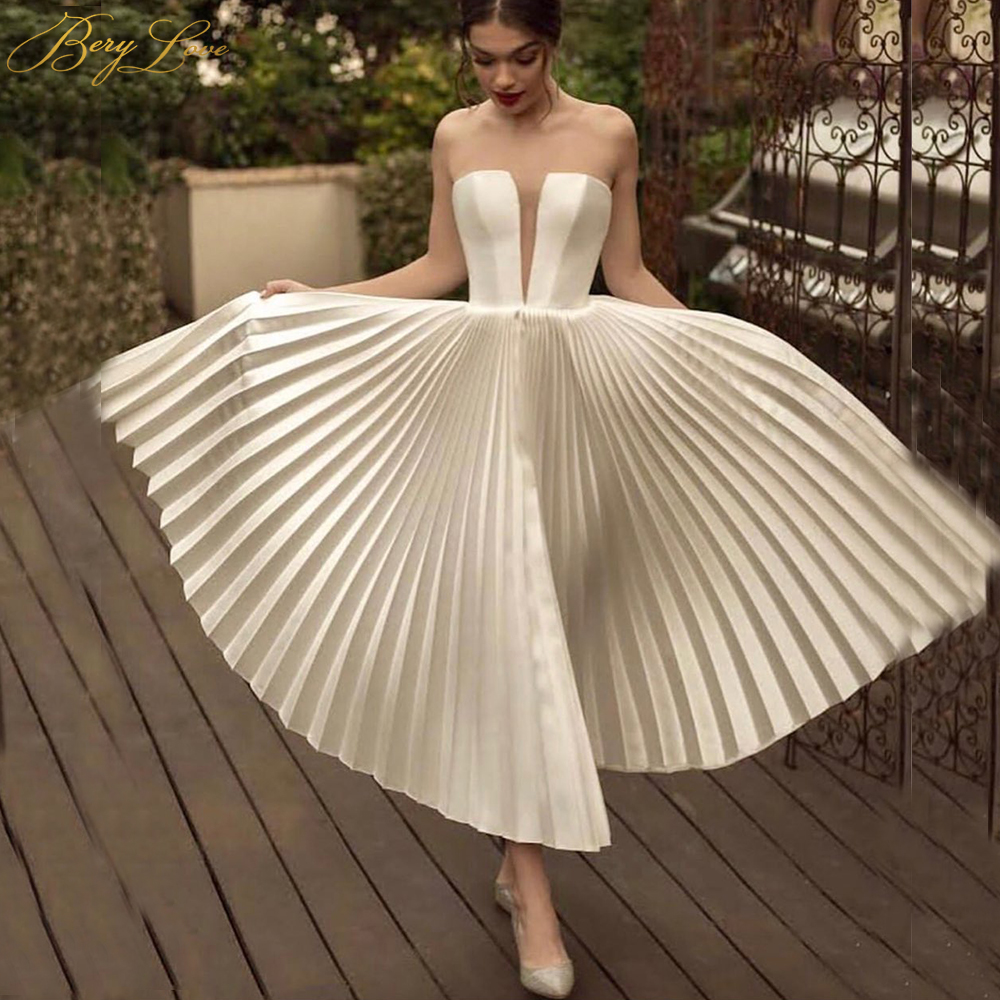 BeryLove Sexy White Short Wedding Dress 2019 Crumpled Skirt Keyhole Bust Ivory Wedding Gown Beach Tea Length Women Bridal Dress