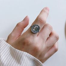 Silvology Sterling 925 Silver Elizabeth Figure Rings Vintage Round Coin Fashionable for Women Festival Jewelry