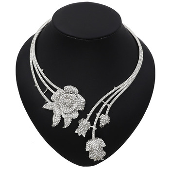 Abstract Flower Pendant Pattern Rhinestone Jewelry Set  3