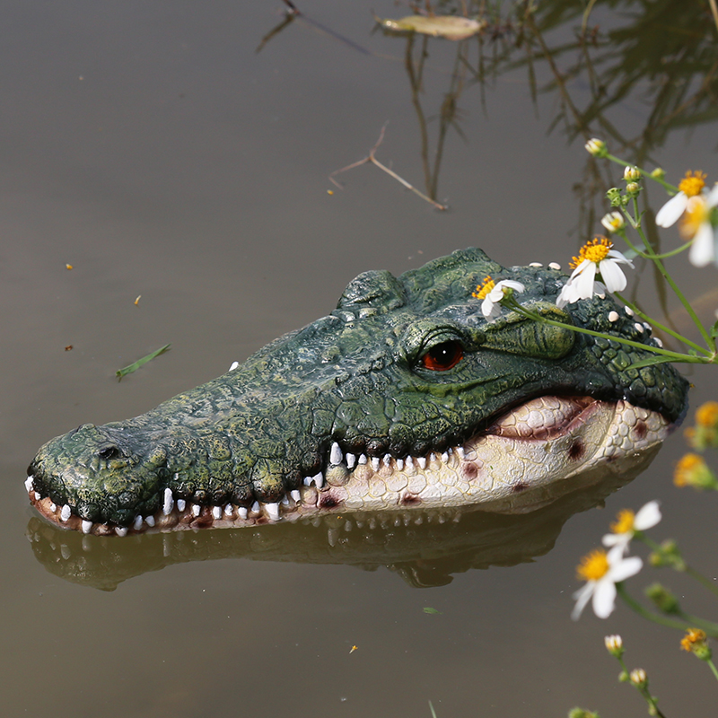 Creative Resin Floating Crocodile Hippo Scary Statue Outdoor Garden Pond Decoration For Home Garden Halloween Decor Ornament