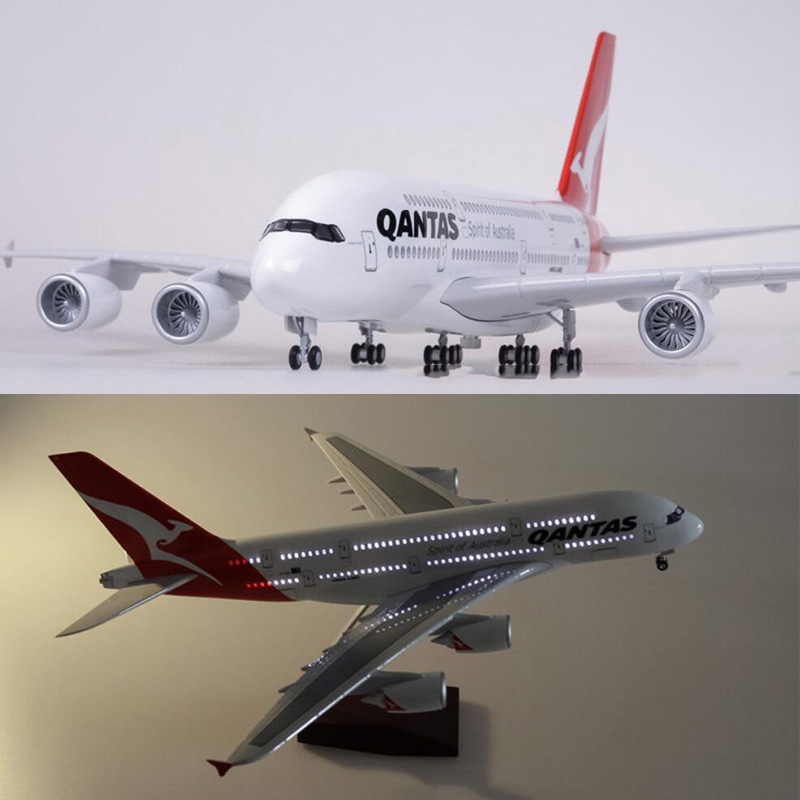 1/160 Scale 50.5CM Airplane Airbus A380 QANTAS Airline Model W Light and Wheel Diecast Plastic Resin Plane For Collection Gifts