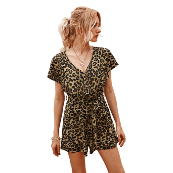 Sexy V-neck Leopard Print Short-sleeved Fashion Women's Short Jumpsuit Casual Elegant Loose Playsuits 2020 Summer New artka 2020 spring summer new women bodysuit fashion print loose chiffon playsuits v neck flare sleeve jumpsuit women ka25003c