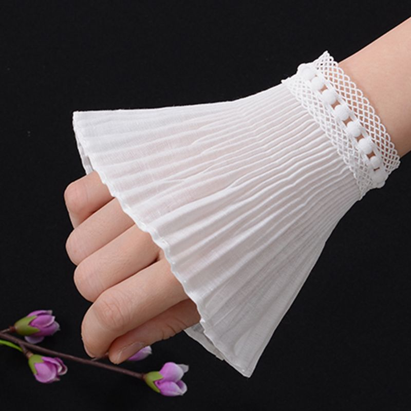 2019 Literary Fresh Women Floral Lace Horn Cuff Imitation Pearl Button Fake Sleeve
