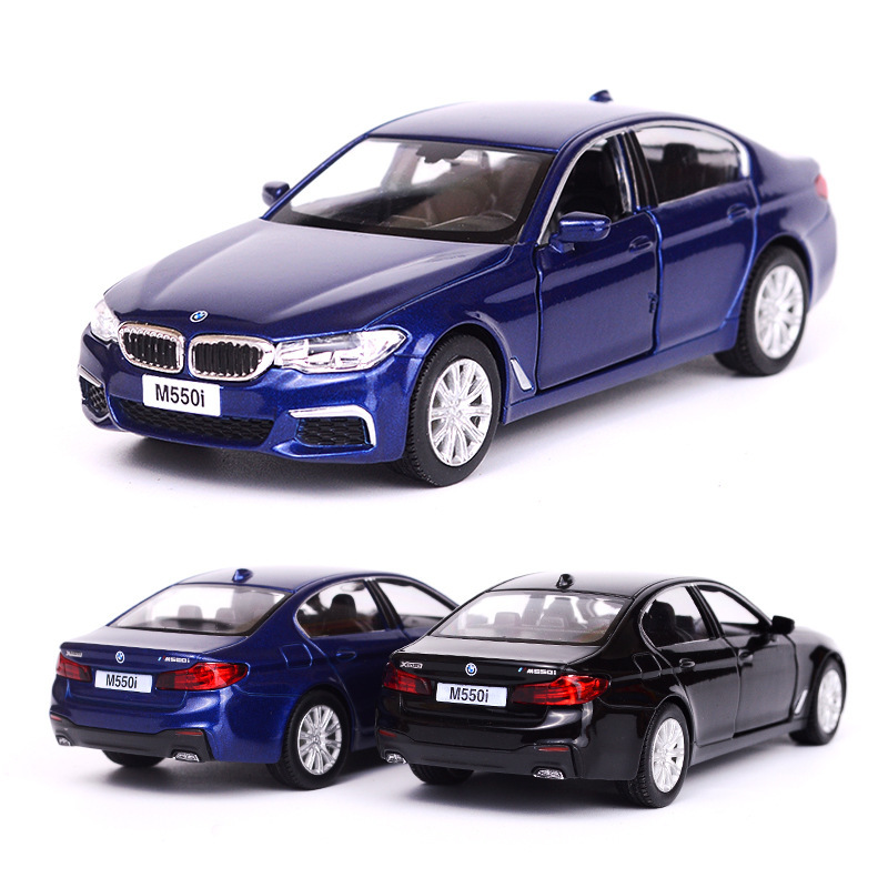 Simulated 1/36 Diecasting Alloy Metal Car Model BMW M550 Collection Tool Model Exquisite Pull Back Children Toy Car BirthdayGift