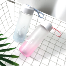 Портативная поилка для животных градиент океана цвета корейский стиль Путешествия Посуда для напитков портативная бутылка стеклянная легкая фляжка с крышкой 380 мл
