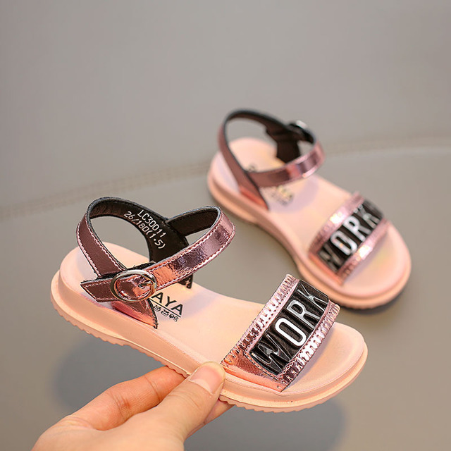 Babaya Children's Sandals Girls Breathable Shoes 2020 Summer New Beach Shoes Princess Shoes Girls Sandals