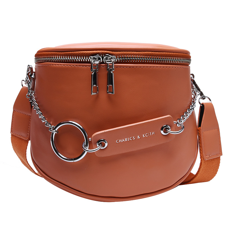 Women's Belt Bag Big Capacity PU Leather Metal Chain Sum Per Band Fanny Pack Bananka Fashion Wild Satchel Belly Band Waist Bag