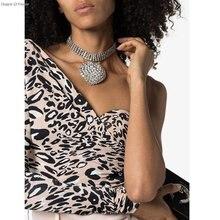 Потрясающее ожерелье чокер с цепочкой из кристаллов циркония
