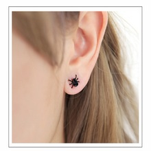 2019 New Hot Fashion geometric earring for women Cute Gothic Punk Personality Black Tiny Spider Earrings Jewelry