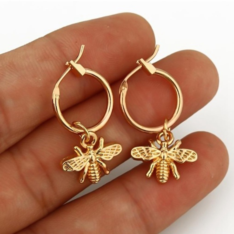 1 Pair Chic Gold Color Small Bee Pendant Earrings For Women Cute Stereoscopic Insect Earrings Drop shipping In Stock