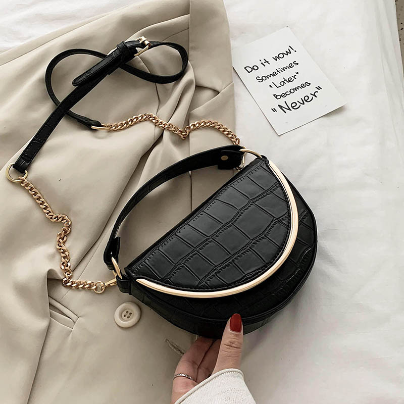 [BXX] 2020 Chain Design PU Leather Crossbody Saddle Bags For Women Small Handbags And Purses Female Shoulder Messenger Bag HL959