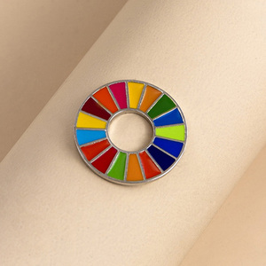 Эмалированная брошь в виде цели устойчивого развития 17 цветов, значок на булавке в стиле SDGs для женщин и мужчин, модные радужные булавки