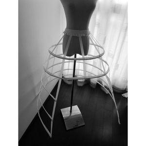 Image 4 - Hollow Ruffled Bird Cage 생선 뼈 치마 지원 Girls Cosplay Petticoat
