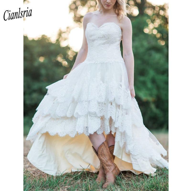 Elegant Sweetheart Bohemian Country High/Low Wedding Dresses Appliques Lace Sleeveless Tiered Skirt Boho Bridal Wedding Dress