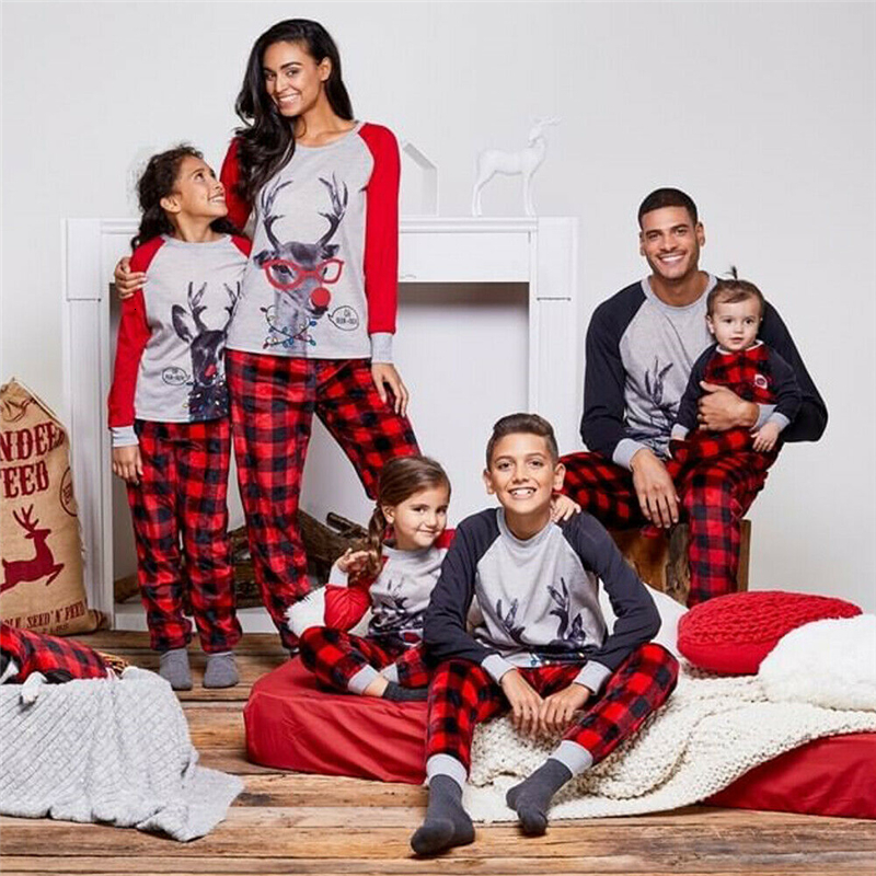 Classical Family Look Christmas Print Father Son Mommy And Me Clothes Pajamas Cotton Couple Matching Costume Accessories 2019
