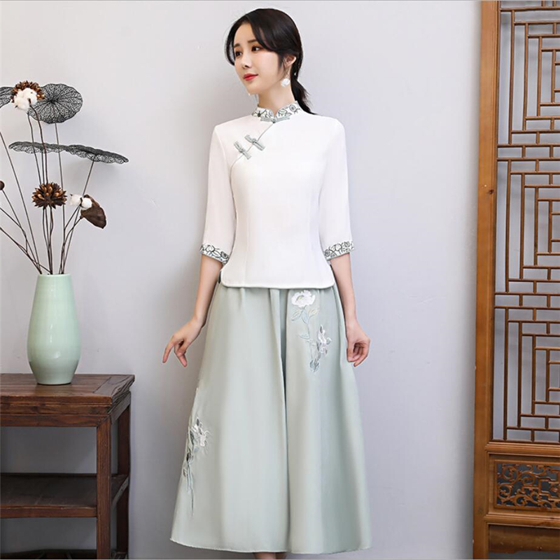 2019 Retro Style Chinese Traditional Top And Skirt For Women Embroidered Cheongsam Girls Two Pieces Sexy Qipao Set Plus Size