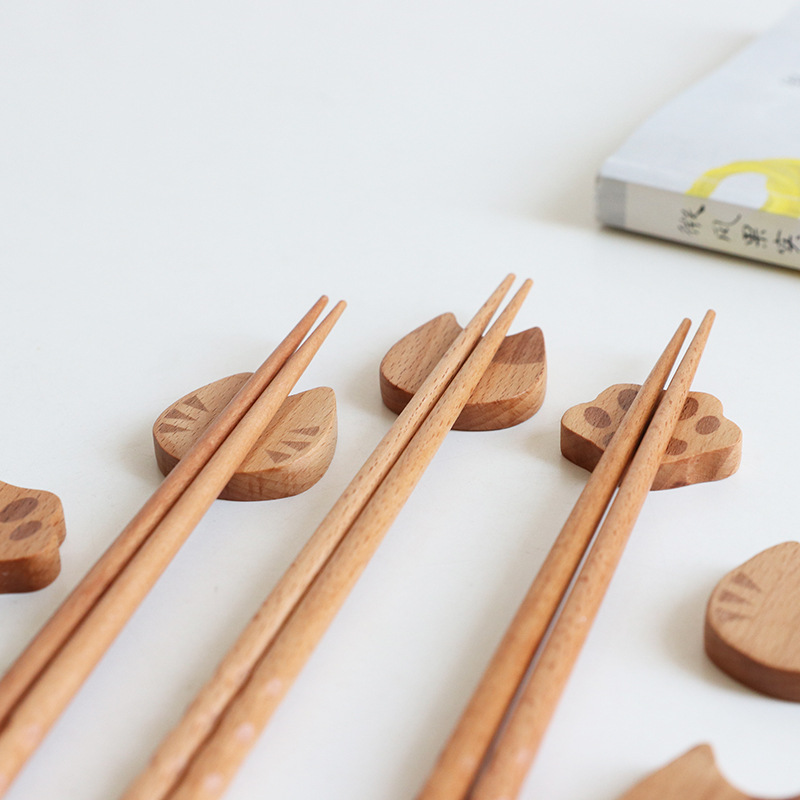 Detomate Japanese Style Wood Chopsticks Holder Building Blocks Cat Chopsticks Rack Cartoon Kitchen Hotel Creative Chopstick Hold