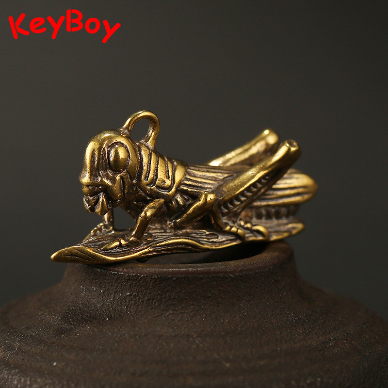 Pure Copper Handmade Grasshopper Key Chain Pendant Luggage Bag Hanging Ornaments Vintage Brass Car Keychain Key Chain Rings Gift
