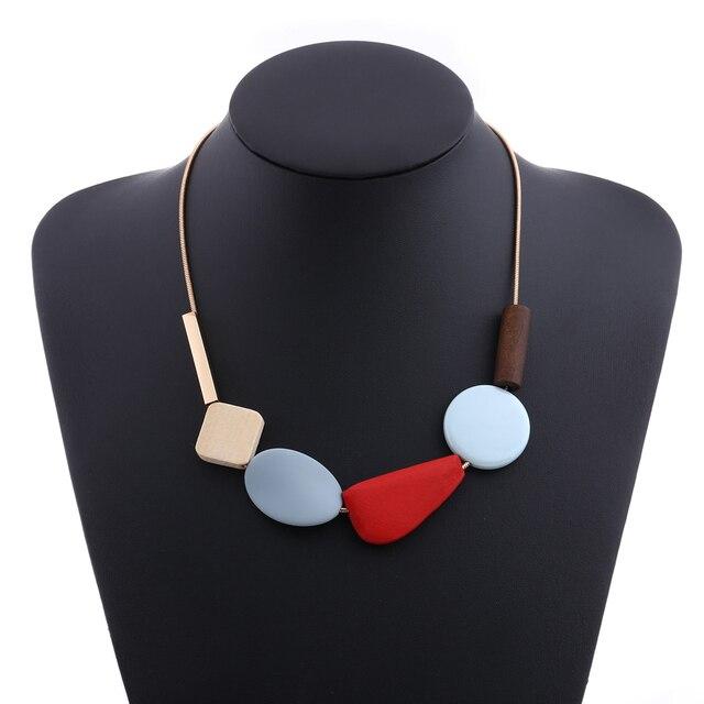яркое массивное ожерелье из полимерных бусин женские разноцветные фотография