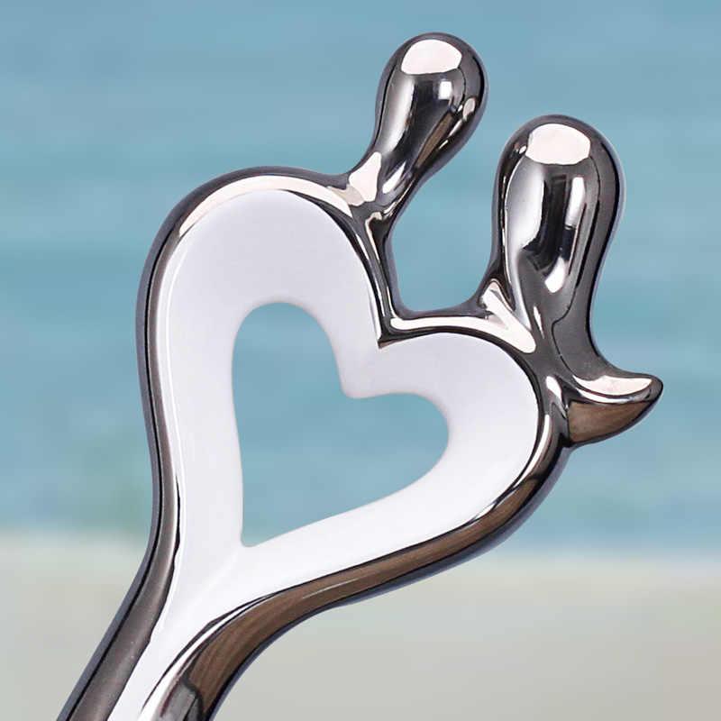 Moderne Silber Kuss Paar Keramik Ornamente Hochzeit Geschenke Einrichtungs Handwerk Hotel Wohnzimmer Tisch Figuren Dekoration