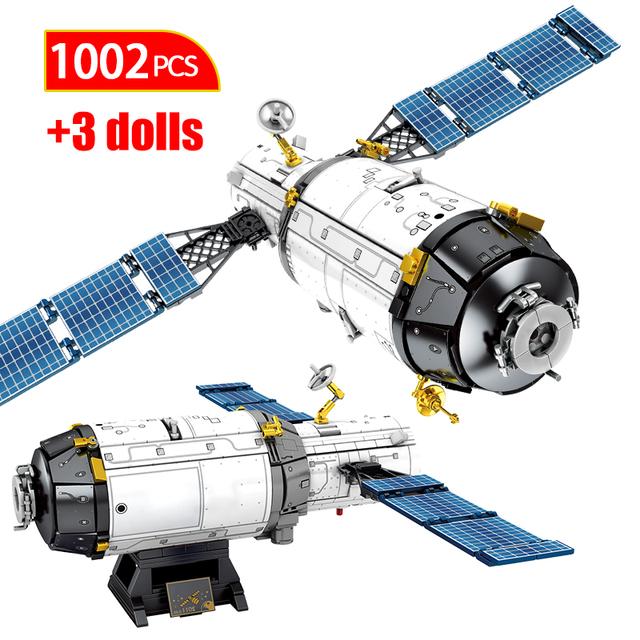 1002PCS City Technic Launcher Spaceship Rocket Building Blocks Creator Aerospace Manned Astronaut Figures Bricks Toys For Boys