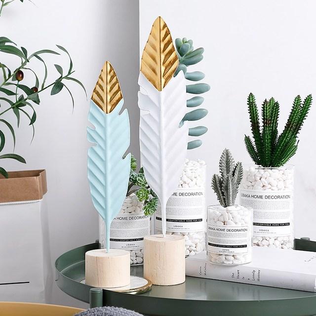 Nordic Feather Wooden Decorations Creative Office Bookroom Desktop Decor Miniature Figurines Home Decoration Accessories 2