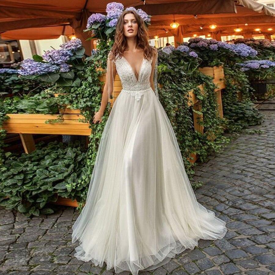 Scoop Neckline Beading Lace Applique A-line Wedding Dress Backless Tulle Sweep Train Bridal Dress Vestido De Noiva