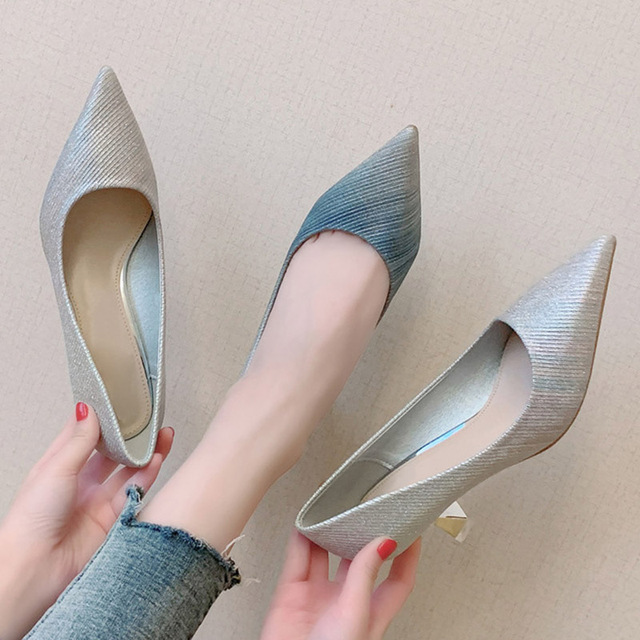 Frauen Kleid Schuhe Abstufung Pumpen Spitz Silber Hochzeit Schuhe Frau Gläser Heels Boot Schuhe Braut zapatos mujer 7948N