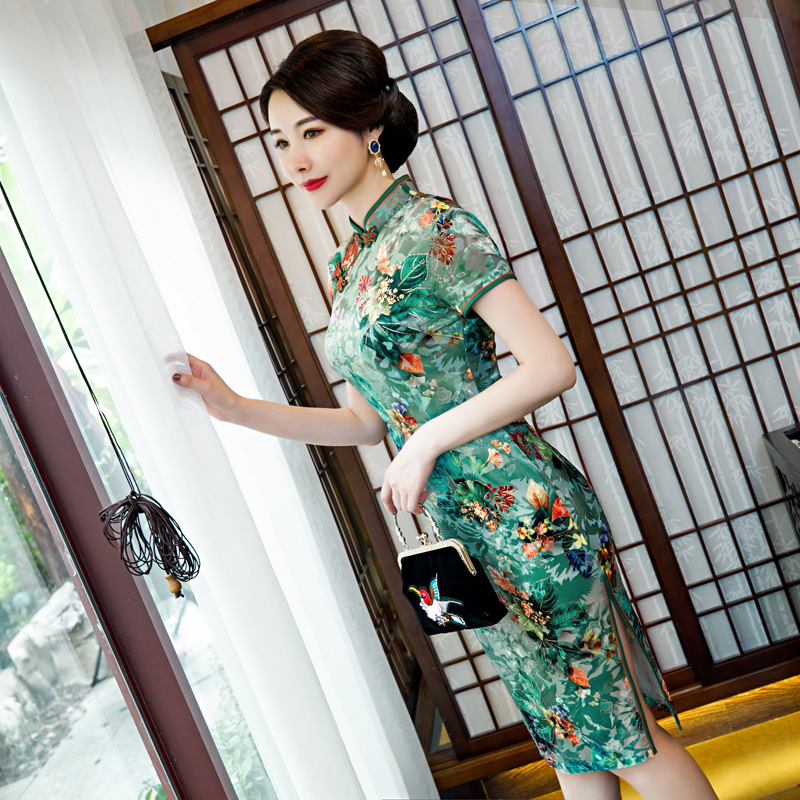 Green Exquisite Women Traditional Chinese Qipao Formal Party Dress Elegant Slim Velour Cheongsam Embroidery Flower Vestidos