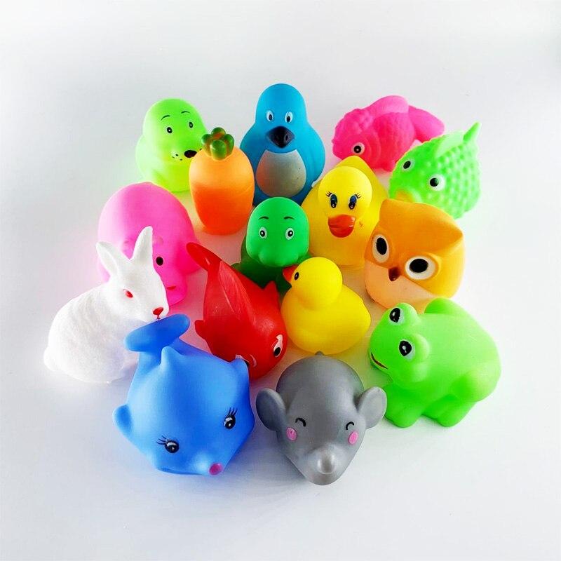 צעצועי אמבטיה לתינוק