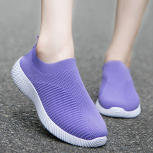 Women Flats Shoes Loafers Plus Size 43 Walking Flat High Quality Women Sneakers Slip On Black Purple Women Breathable Mesh Shoes