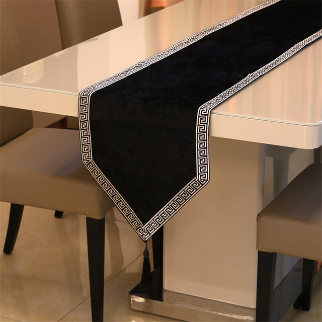 New Chinese high end tablecloth flag shoes cabinet cover cloth European velvet bed runner simple color table cloth