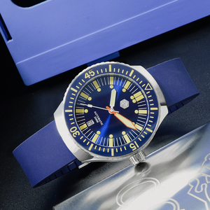 Image 2 - San Martin Mechanical Watch Fashion Men Automatic Stainless Steel Diving Watches Luminous Rubber Wristband 200 Meters Waterproof