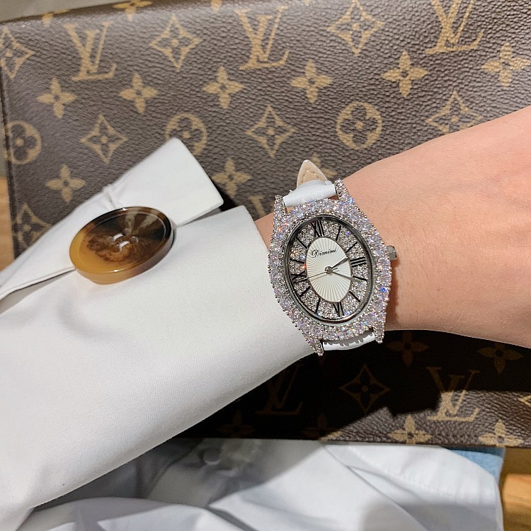 Women Oval Watches Lady Silver Quartz Watch Real Leather Rhinestone Diamond Wristwatches Girls Female Clock relogio feminino