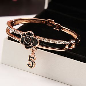 Fashion Enamel Camellia Bangles for Women Luxury Brand Crystal Letter 5 Bangle Bracelet Wedding Jewelry pulseira Z093(China)