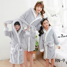 Childrens Bathrobe Winter Family Matching Clothing Flannel Gown Warm Boys Robe Christmas Pajamas Mommy and Me Clothes