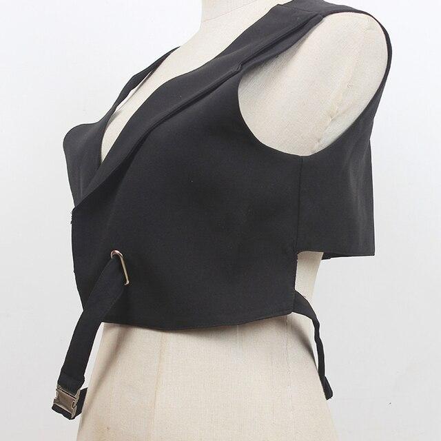 [EAM] Women Loose Fit Black Irregular Bandage Short Vest New V-collar Sleeveless Fashion Tide Spring Summer 2021 1DE0596 3