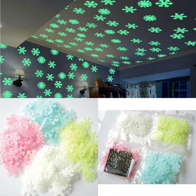 Nuevo y de alta calidad 50 Uds. Luminoso 3D creativo pegatina de pared copo de nieve resplandor en la oscuridad calcomanía decoración de Navidad pegatinas