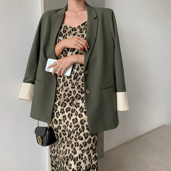 цена Korean Retro Ladies Blazer Casual Solid Green Loose Simple Suit Jacket Blazer Negro Mujer Stylish Office Women Blazer MM60NXZ онлайн в 2017 году