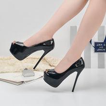 Туфли женские из лакированной кожи на высоком каблуке и платформе